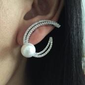 jewels,geometric earrings,pearl,wedding accessories,pave earrings,girly,holiday gift,earrings,diamonds,formal,stud earrings,elegant,studs