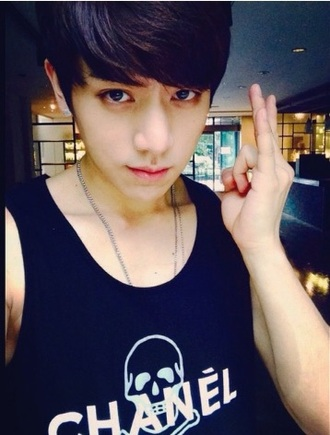 shirt cclown black and white shirt short sleeve tank top t-shirt kpop chanel t-shirt chanel top