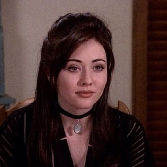 tv show jewels velvet choker prue charmed nineties