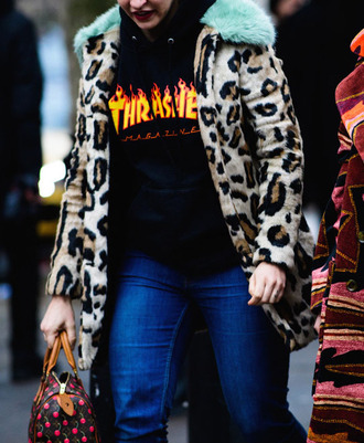 jacket tumblr printed jacket leopard print fur collar jacket sweatshirt black top denim jeans blue jeans bag printed bag fashion week 2017 streetstyle