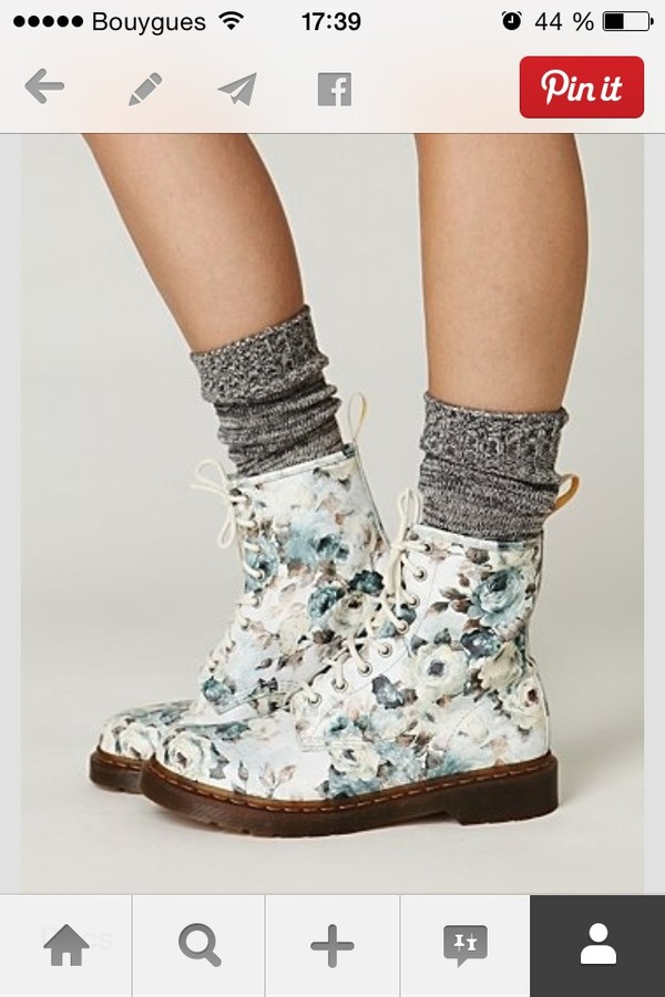 shoes DrMartens flowers grunge socks