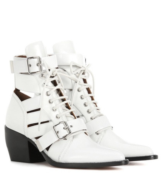 Chloé Rylee Medium leather ankle boots in white
