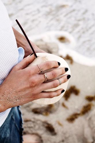 jewels tumblr ring jewelry gold jewelry gold ring accessories accessory nails nail polish dark nail polish