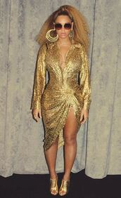 skirt,blouse,mules,sunglasses,beyonce,gold,instagram,earrings,metallic,curvy,plunge v neck