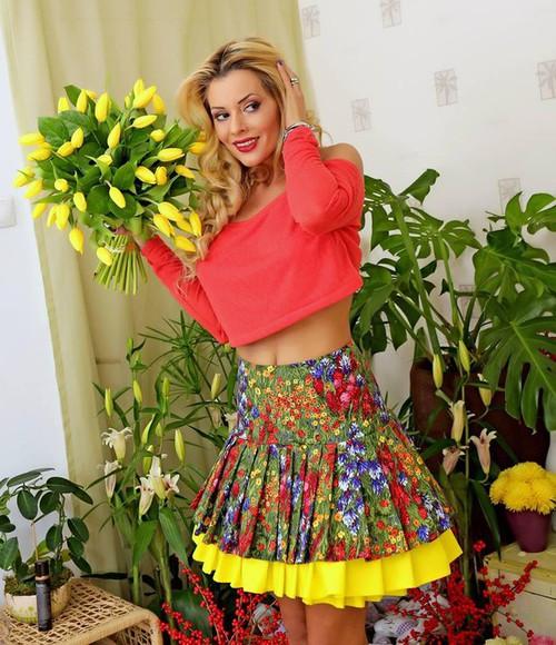 skirt jewels blouse