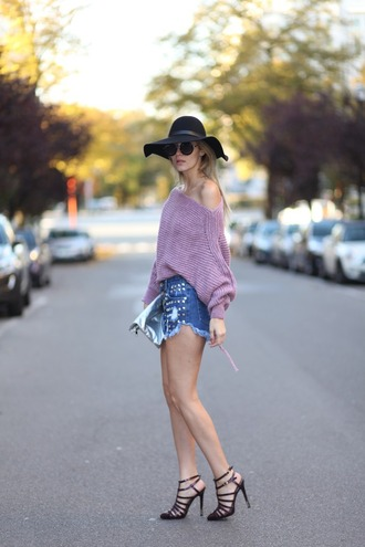 from brussels with love blogger shorts sweater shoes bag pink sweater denim shorts felt hat high heel sandals