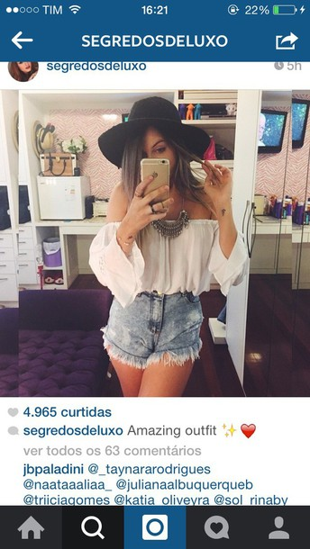 blouse hat jewels shorts