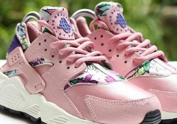 best service 1a6b5 da4b4 Nike Huarache Pink Flowers Custom Runing Shoes