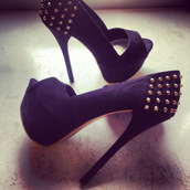 shoes,high heels,pumps,studs,black,gold,platform shoes,studded shoes,sexy shoes