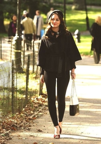 blair waldorf gossip girl leighton meester cape