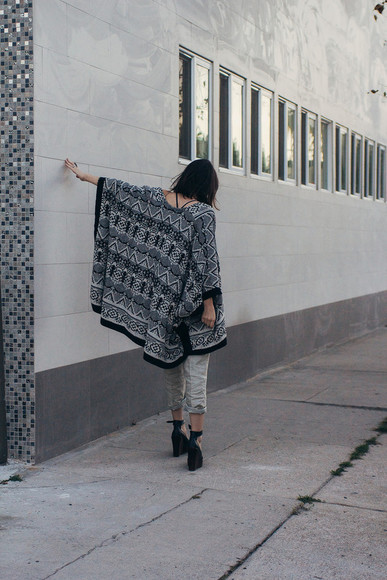 oversized the stylish wanderer blogger underwear cardigan black heels cropped pants