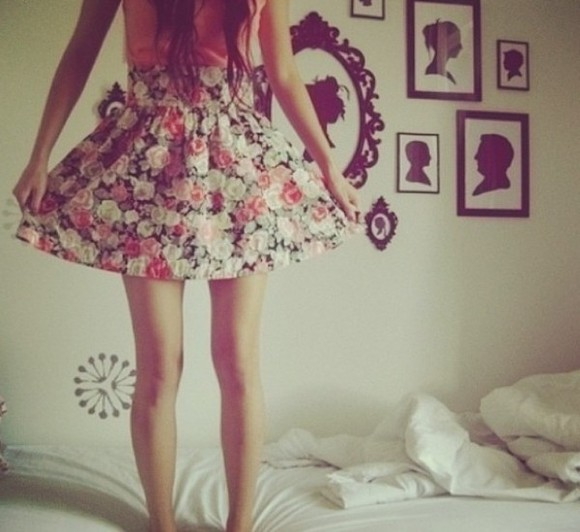 pretty floral cute pink skirt jewels outfits roses girly girly outfit hipster vintage