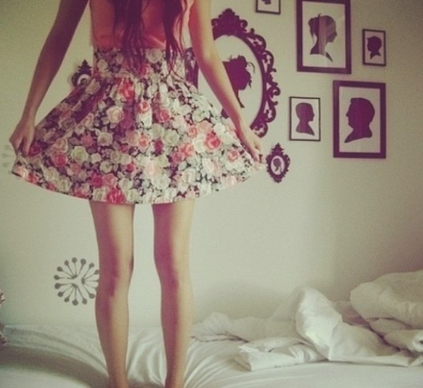 skirt floral jewels outfit cute roses pink girly girly hipster pretty vintage