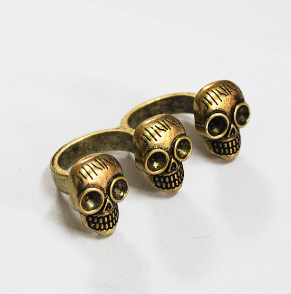Pirate skulls ring  us 6 1/2  us 7 by guonee on etsy
