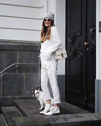 sweater tumblr white sweater knit knitwear knitted sweater all white everything pants white pants cropped pants boots white boots ankle boots beanie bag white bag