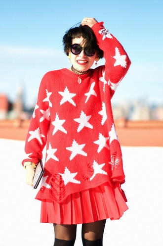 let's get flashy blogger stars red sweater red skirt pleated skirt