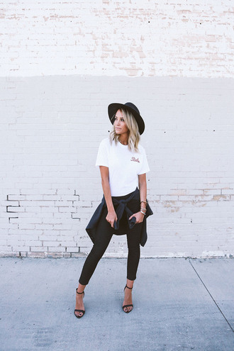 styled avenue blogger shoes hat skinny jeans black jeans t-shirt white t-shirt black hat sandals sandal heels high heel sandals black sandals spring outfits