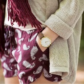 shorts,burgundy,burgundy shorts,bandana print,hippie,boho,watch,woman watch,brown,gold,cardigan,creme,jewels