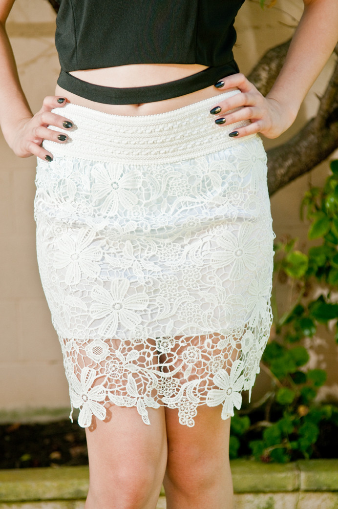 White floral lace crochet midi skirt – gold soul
