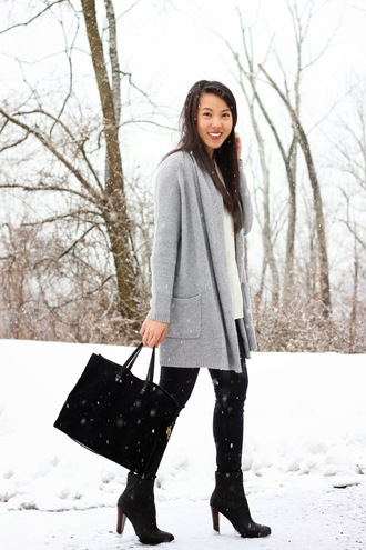 refined couture blogger cardigan grey coat tote bag