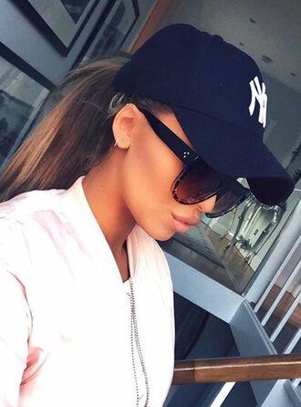hat black cap cap baseball cap sunglasses tortoise shell sunglasses