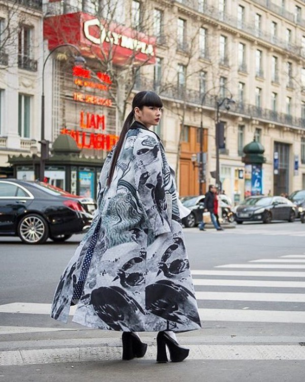 coat long coat grey coat kimono shoes black shoes printed coat platform shoes streetstyle