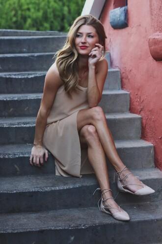 ashlee frazier blogger dress skirt shoes make-up
