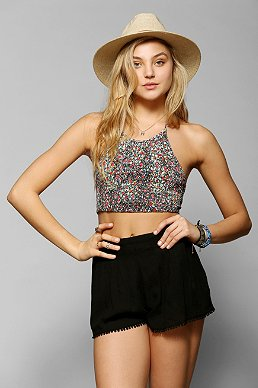 Cropped - Urban Outfitters