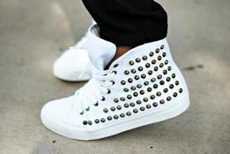 shoes clothes hipster wow celebrity white studded them trainers studs leggings jeans black leggings