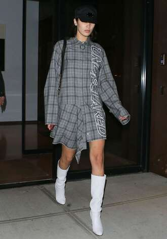 dress shirt shirt dress boots bella hadid streetstyle nyfw 2017 ny fashion week 2017 model off-duty plaid shoes