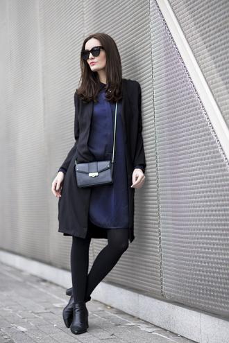 anouska proetta brandon blogger shirt navy blue dress cat eye