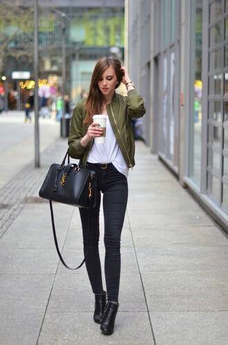 vogue haus blogger shirt jeans shoes bag jewels