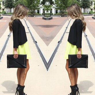 skirt divergence clothing short skirt neon neon skirt neon skirts lime green skirt lime green skater skirt skater skirt green skater skirt fashion blog streetstyle sexy tumblr clothes