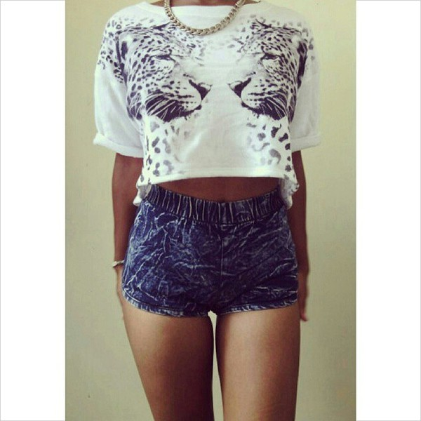 shirt leopard print acid washed shorts gold chain shorts jewels b&w tiger leopard print t-shirt top crop tops