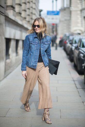 jacket beige flared pants denim jacket beige sandals blogger black turtleneck top