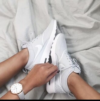 shoes nike white grey sneakers nike sneakers nike running shoes grey sneakers white sneakers running shoes light grey and write nike nike air max thea low top sneakers
