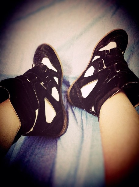 shoes black and white sneaker shoes hair accessory shorts