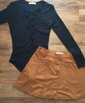 skirt,camel suede skirt,suede skirt,mini skirt,bodysuit,black bodysuit,lace up top