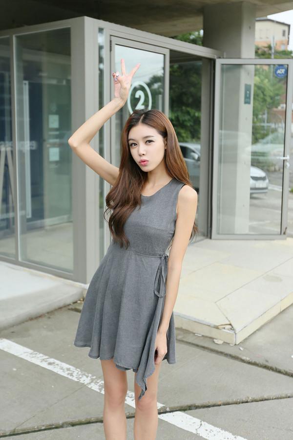 sleeveless dress grey t-shirt