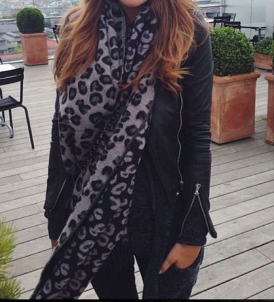 scarf leopard print pretty fall outfits accessories black grey