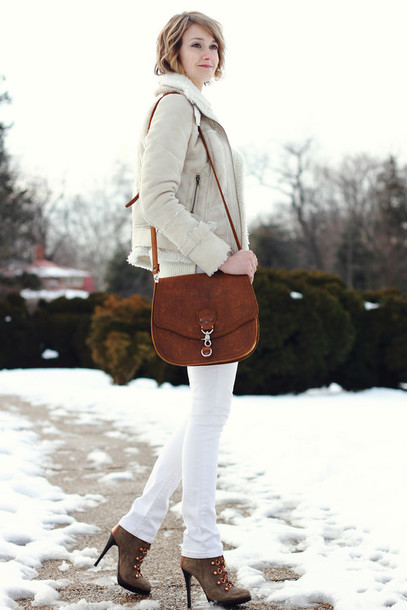 district of chic blogger white jeans shearling jacket sweater jacket jewels jeans shoes bag