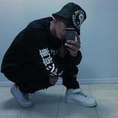 sweater,nike,menswear,urban menswear,mens sportswear,shoes,t-shirt,hat,black,white,tumblr