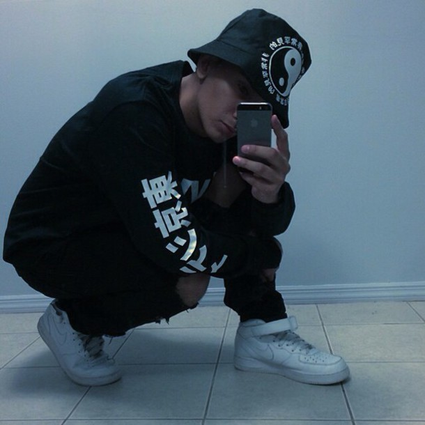 sweater nike menswear urban menswear mens sportswear shoes t-shirt hat black white tumblr