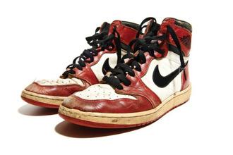 shoes sneakers nike nike sneakers red sneakers leather sneakers high top sneakers leather