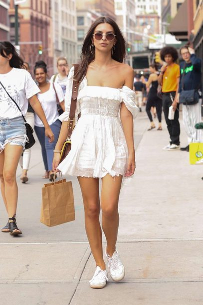 b433285ee6d359 dress emily ratajkowski model off-duty streetstyle summer outfits summer  dress white all white everything