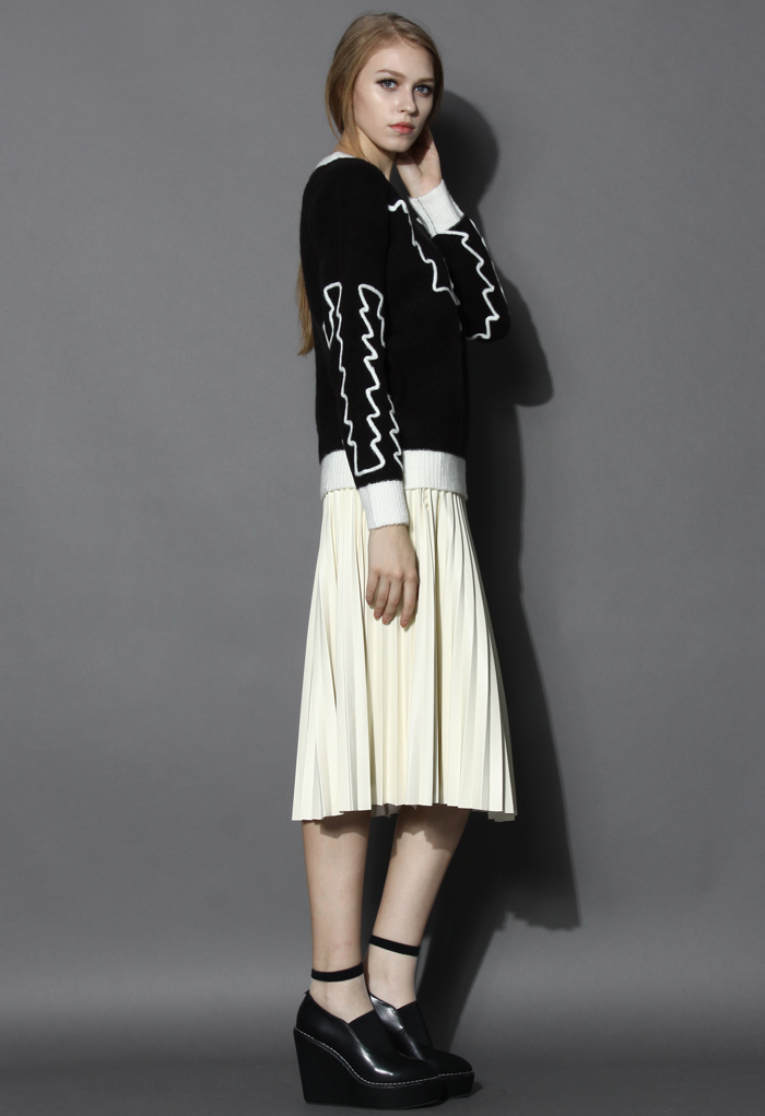 Contrast Zig Zag Woolen Sweater in Black - Retro, Indie and Unique Fashion