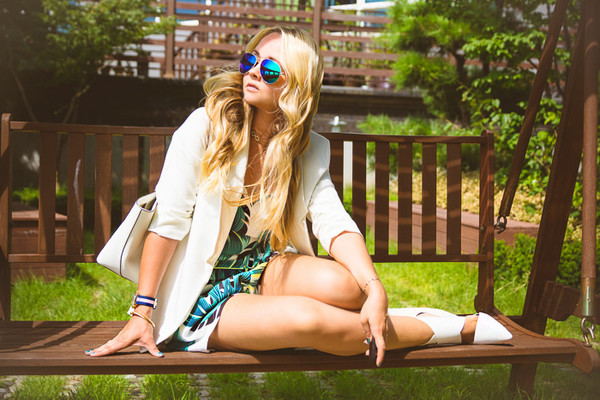 my blonde gal blogger romper bag jacket jewels shoes sunglasses