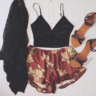 shorts grunge indie boho summer fashion boho chic chic black red flowers top