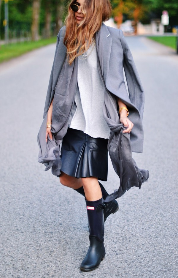 maja wyh jacket skirt shoes wellies blogger leather skirt h&m hunter boots hunter grey