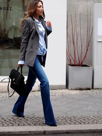 nina @ www.helloshopping.de - it's a blog. blogger bag grey jacket blouse black bag boyfriend jeans office outfits